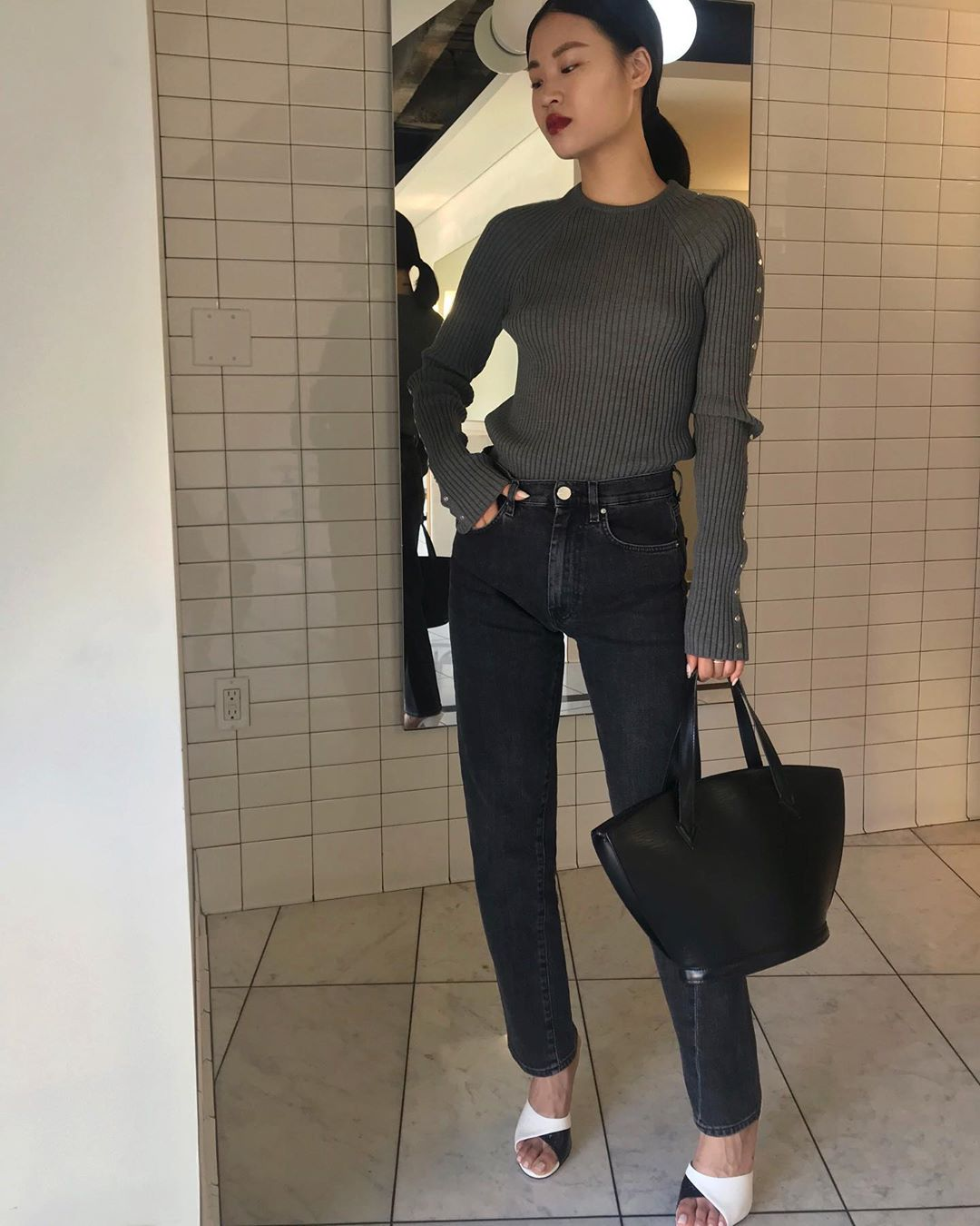 Classic Fall Outfit Inspiration – Ribbed Knit and Straight Leg Jeans