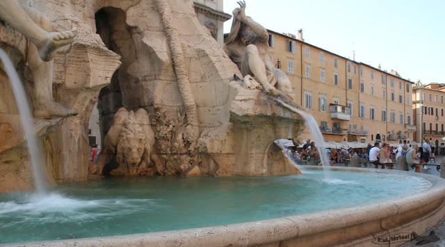 Fontana dei Quattro Fiumi, Piazza Navona, Roma, Itália
