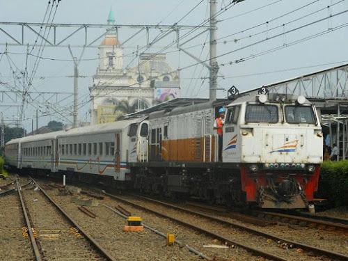 Kereta Api Pangrango Bogor - Sukabumi