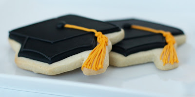 black graduation hat cookies