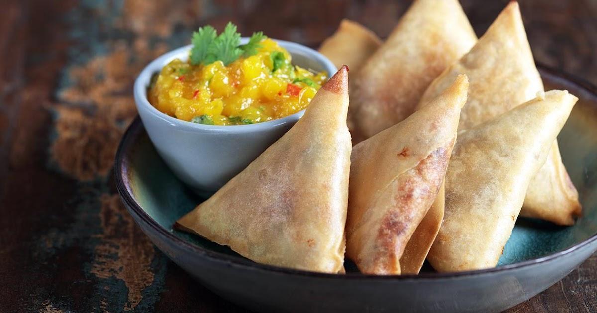 LEBANESE RECIPES: Smoked chicken samosa with mango chutney recipe