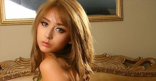 Affiliatehibryd: Hot Model Leah Dizon
