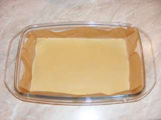 preparare martipan, retete cu martipan, blat de martipan, modelare pasta de migdale,