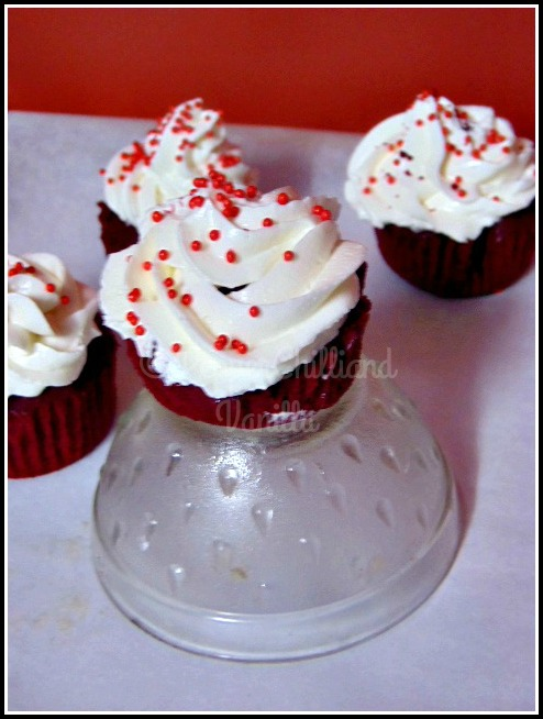 christmas baking,red velvet cupcakes recipe