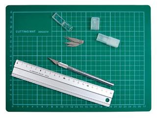 мат и нож для вырезания