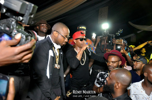 Davido Vs Wizkid – 10 SOLID Reasons Why Davido Is Better Than Wizkid
