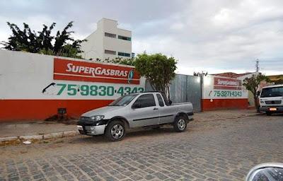 Bandido assalta distribuidora de gás e atira em funcionária na cidade de Euclides da Cunha