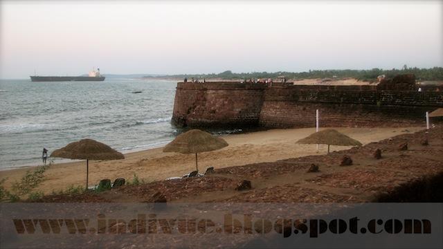Fort Aquada Beach, Goa, Intia