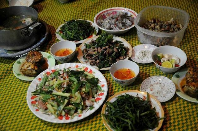 Một bữa ăn thịnh soạn trên đảo