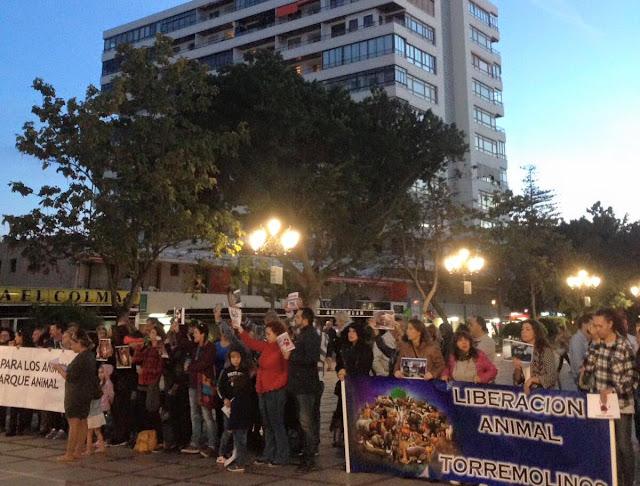 Concentración contra las muertes en Parque Animal Torremolinos
