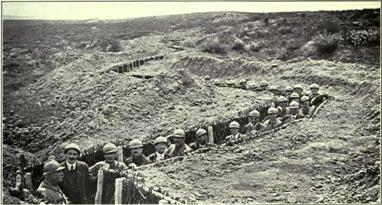 Storia Notizie  prima guerra mondiale - soldati in trincea a Fort ... 2a59089239e3