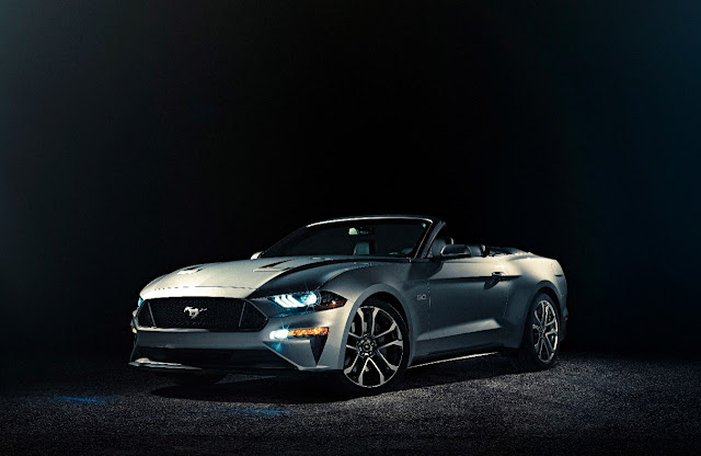 2017 Ford Mustang convertible US