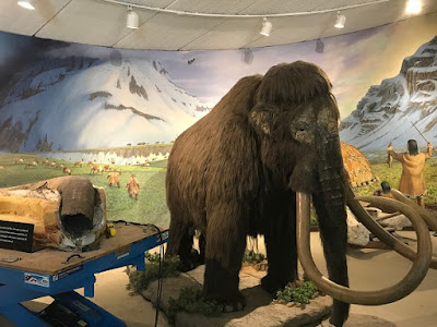 La Brea Tar Pits animated mammoth