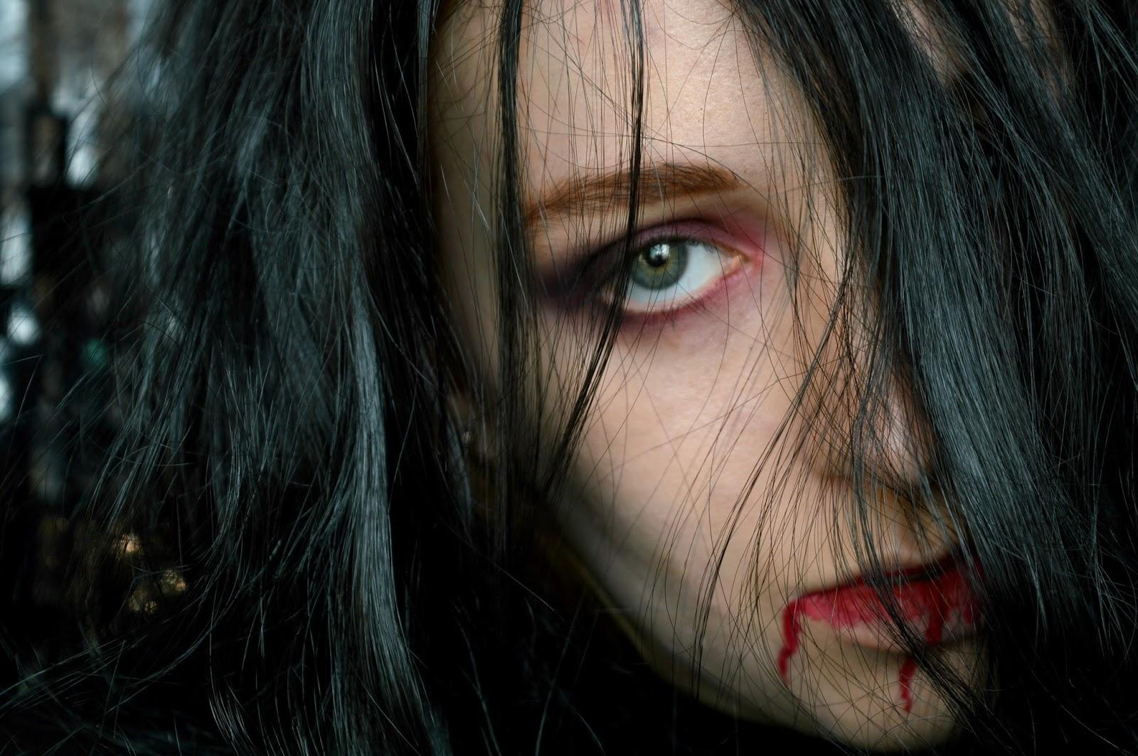 vampire easy halloween look