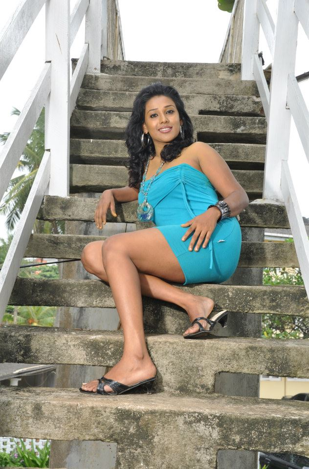 SriMixZone: Rithika Kodithuwakku Hot