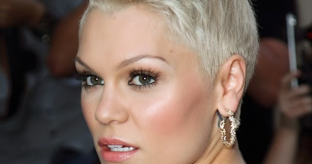 Jessie J Hairstyle: Jessie J:Bleach Blonde Pixie Hairstyle