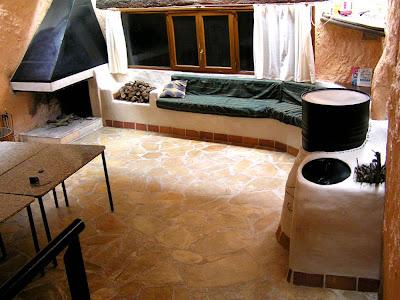 http://bensnaturalbuilding.blogspot.com/2011/12/curso-de-la-construccion-de-una-estufa.html