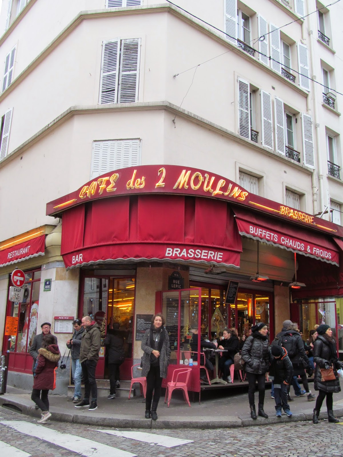 outside amelie cafe paris