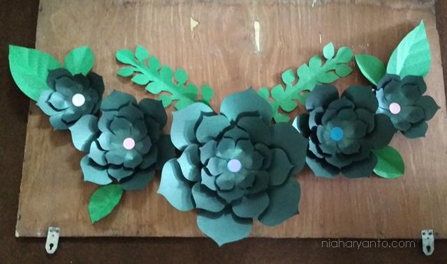 Bu Cari Ide Bisnis Yang Pas Coba Deh Kreasi Bunga Kertas