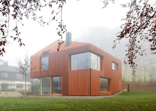 แบบบ้านไม้สองชั้นสร้างจากไม้