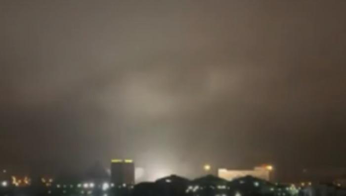 Captan en vídeo un extraño ojo en el cielo de Chelyabinsk, Rusia Ojo2