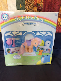My little Pony 35th Anniversary Pretty Parlor with Peachy