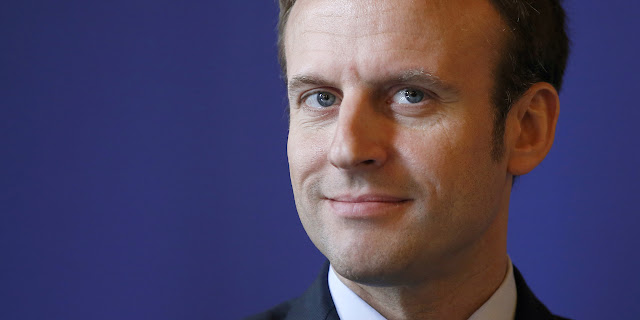 Emmanuel Macron photo