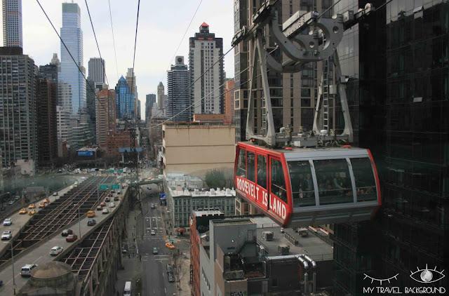Téléphérique de Roosevelt Island et vue sur la 1st avenue, New York