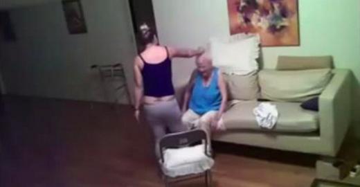 Pour connaître la cause des bruits suspects qui provenaient de l'appartemant de sa grand-mère depuis 3 ans, elle installe une caméra de surveillance