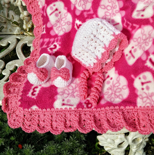 Sweet Shells Baby Bonnet and Blanket Edging - Free Pattern