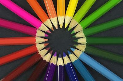 صفات الألوان ودلالاتها في اللغة العربية