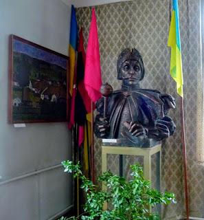 Руда. Музей. Погруддя гетьмана І. Виговського