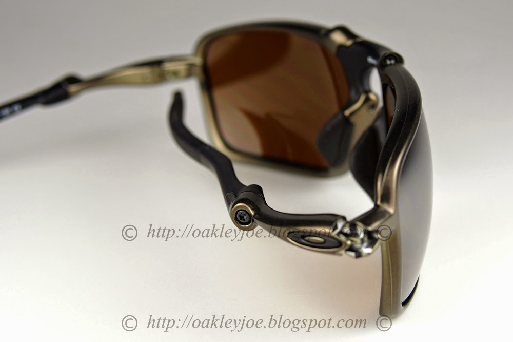f3c4c8ae939 size comparison between Madman and Badman oo6020-03 X Metal Badman titanium  + chrome iridium polarized  560 lens pre coated with Oakley ...