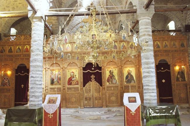 unutrasnjost crkve Svetog Krsta