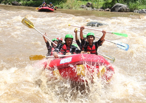 pengalaman rafting di sungai elo magelang