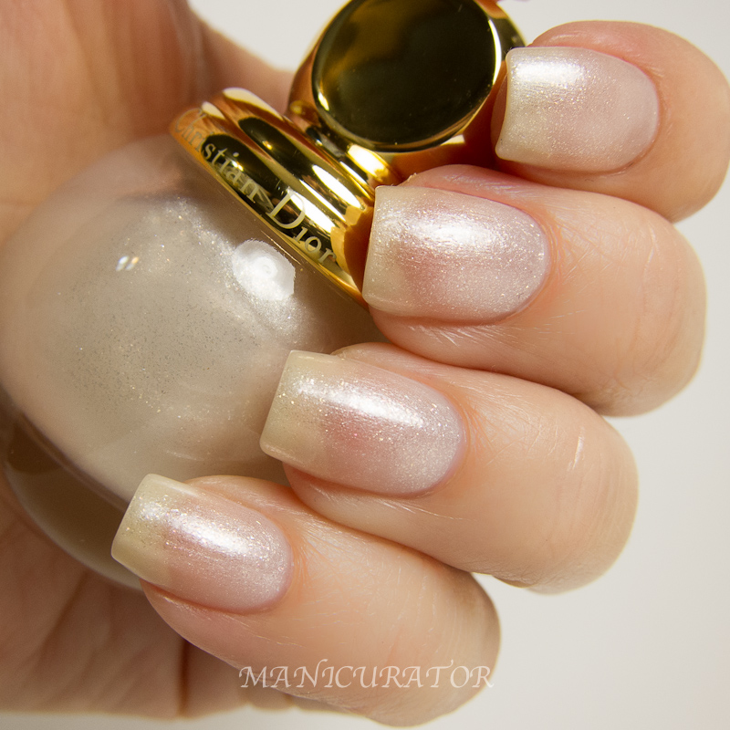manicurator dior diorific vernis golden winter holiday