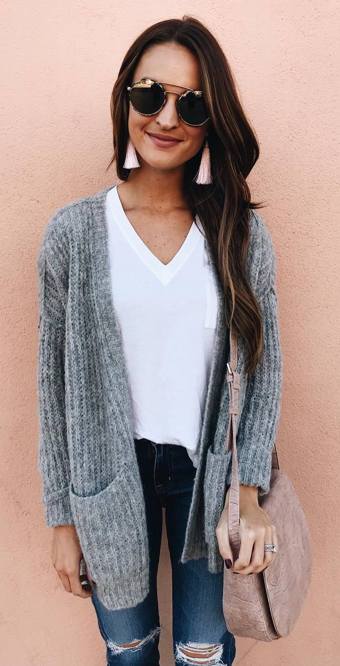cute outfit idea_knit cardigan + top + bag + jeans