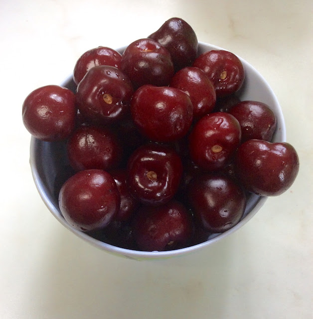 Spanish cherries