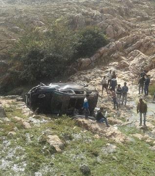 राजगीर में वनगंगा के पास गड्ढे में गिरी कार, कार के परखच्चे उड़े सवार पांच लोगों को खरोंच तक नहीं