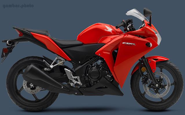 Gambar Honda CBR 250R warna merah