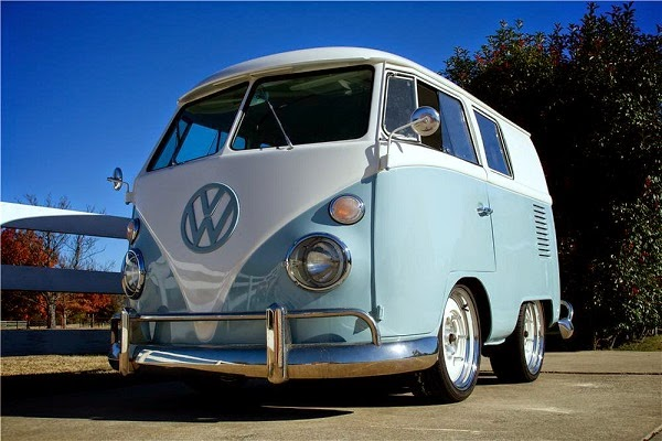 "Gas Monkey Volkswagen Combi ""Shorty Bus"""