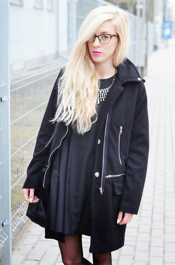 http://www.banggood.com/Black-Zipper-Street-Style-Slim-Fit-Woolen-Hooded-Coat-p-912294.html ?utm_source=fashionblogs&utm_medium=review&utm_campaign=AnetaMatusiak&utm_content=yuki