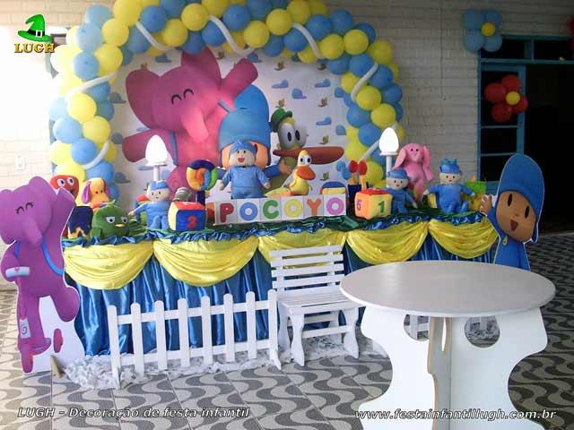 Decoração de aniversário para festa infantil masculina - Mesa tradicional luxo com toalhas de tecido tema Pocoyo