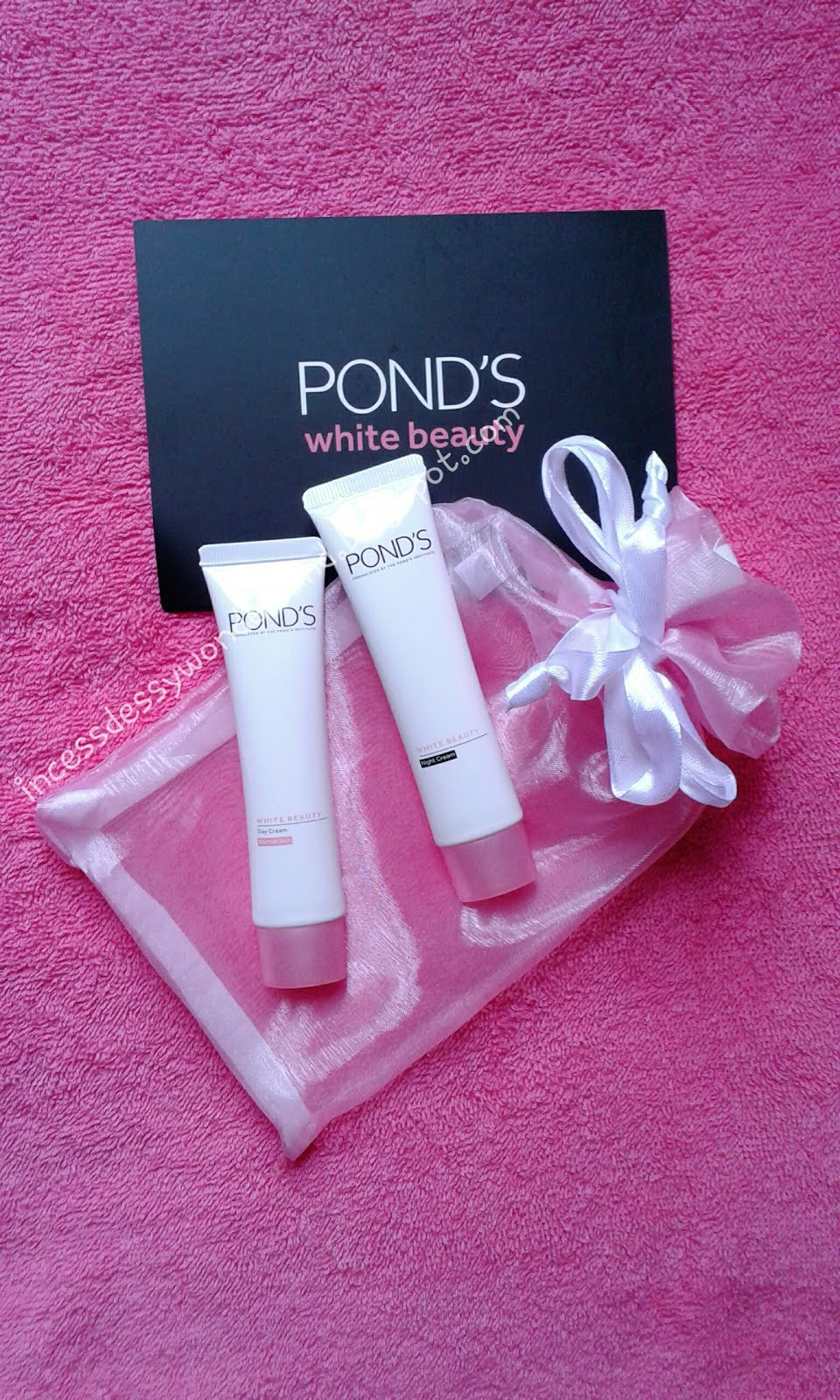 Review : Pond's White Beauty Day & Night Cream - Tips ...