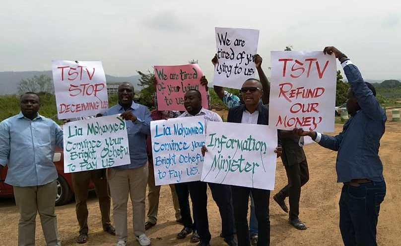TV with Thinus: Furious TStv dealers, agents and installers in Nigeria stage public protest at shambolic pay-TV start-up's headquarters; demand millions back they've paid over a year ago to sell TStv decoders