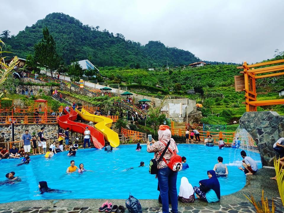 Tempat Wisata Villa Khayangan Greatnesia