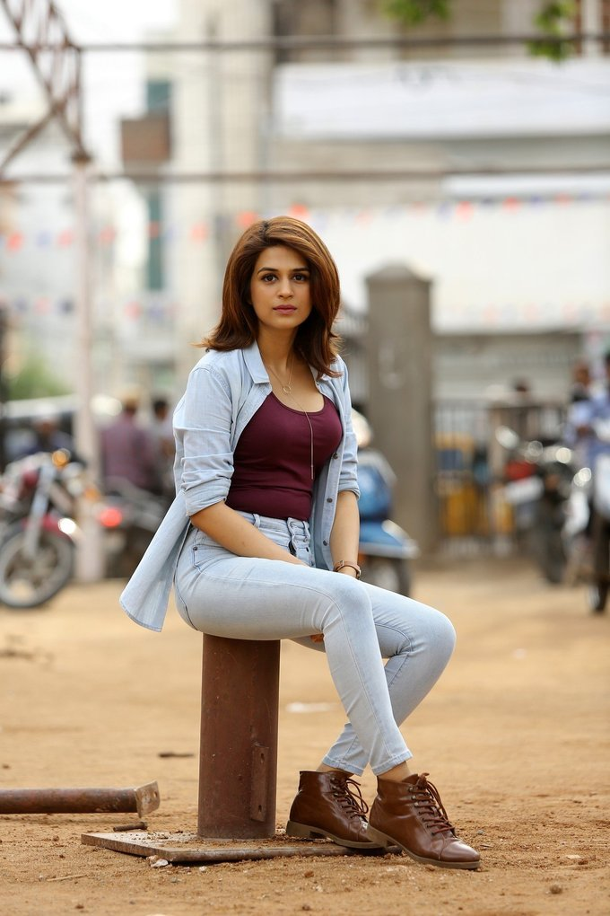 Shraddha Das In Red T-Shirt and Jeans Latest Photos