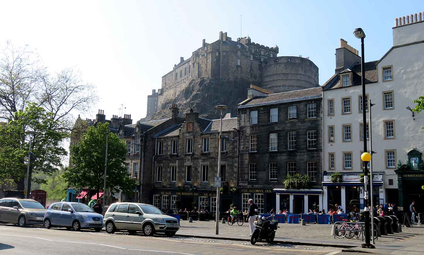 Alex and bobs blue sky scotland edinburgh castle easy but very the grassmarket is now a gentrified area and as its both historic and interesting with outside seating loads of pubs serving food and drink fandeluxe Choice Image