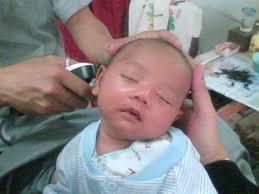 Ketiduran Saat Potong Rambut di Barber Shop Garut