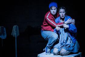 Humperdinck: Hansel & Gretel - Sofia Larsson, Polly Leech, Pop-Up Opera (Photo Robert Workman)